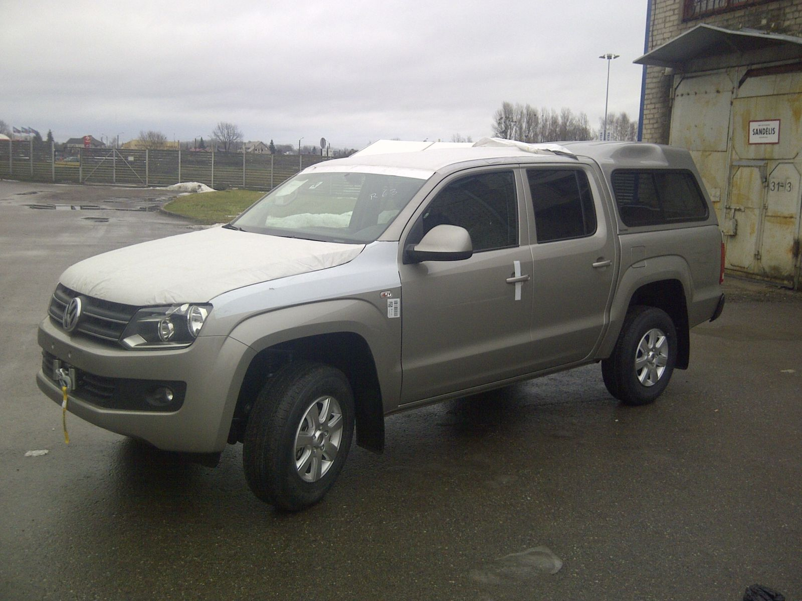 news vw amarok hardtop and winch 4x4 tuning. Black Bedroom Furniture Sets. Home Design Ideas