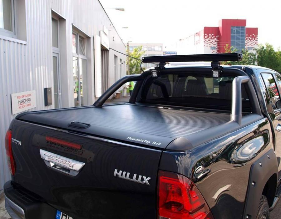 Galerija Toyota Hilux Revo Fully Prepared For Offroad